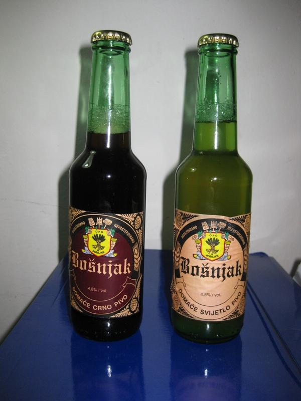 """""""Vino pije 'ko vinograd sadi, 'ko ne sadi, taj se pivom hladi"""""""