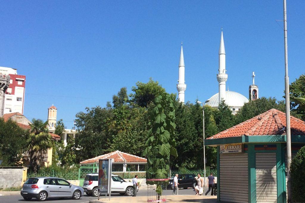 Džamija kraj crkve